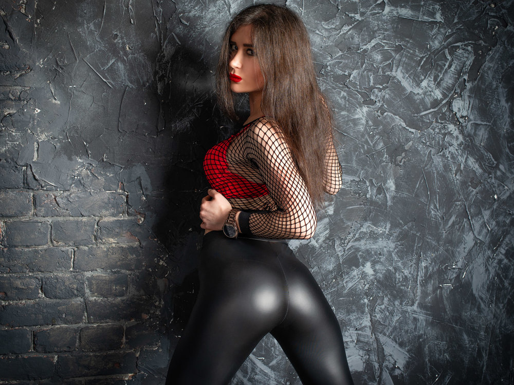 Mistress_on_the_hunt at StripChat