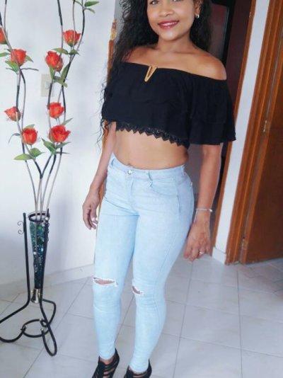 Mia_brunette_