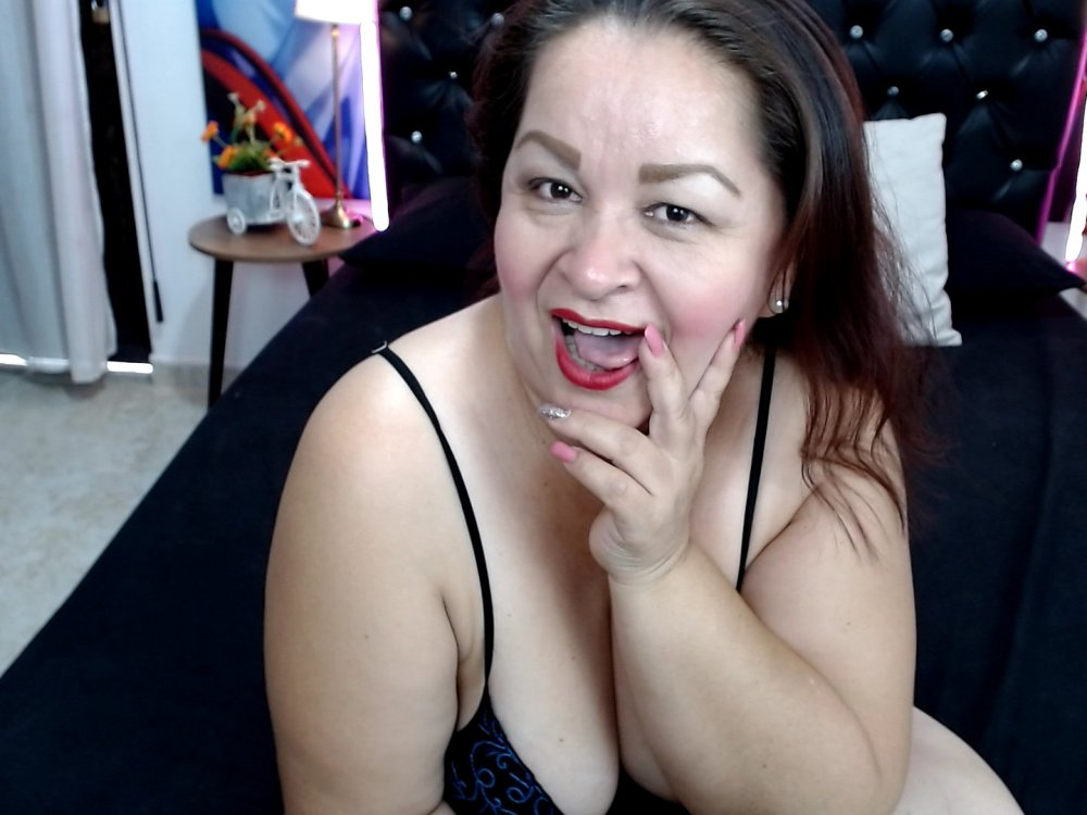 Watch naomi_DP live on cam at StripChat