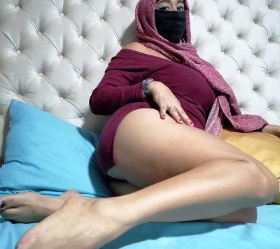 Aisha-Nazli-Adhara2
