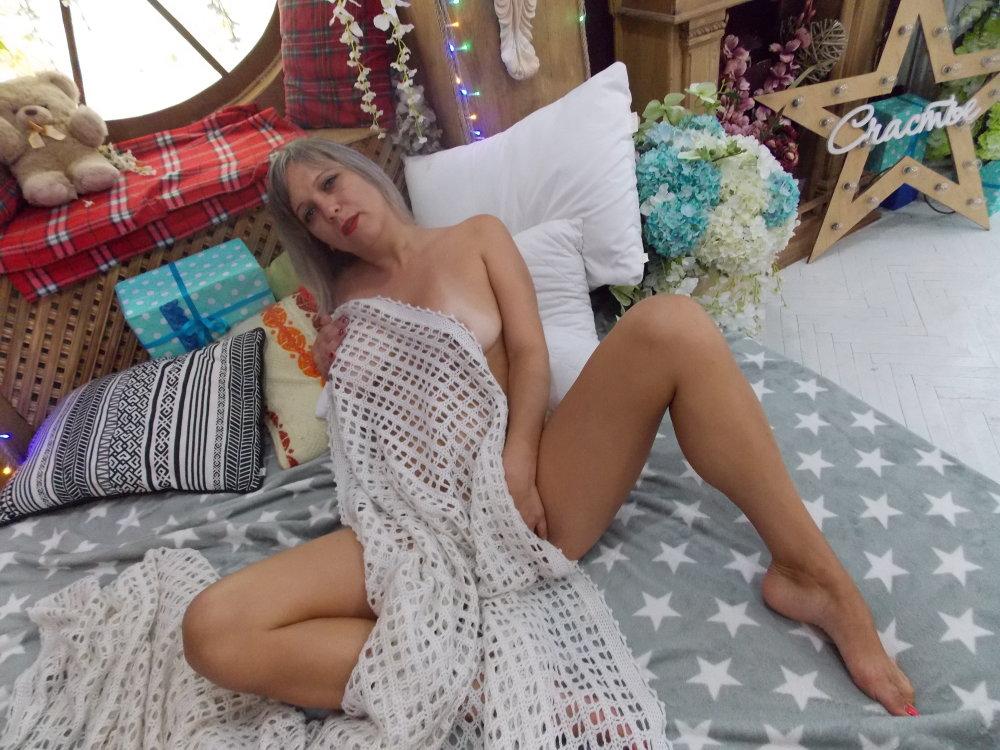 KIRA_shy at StripChat