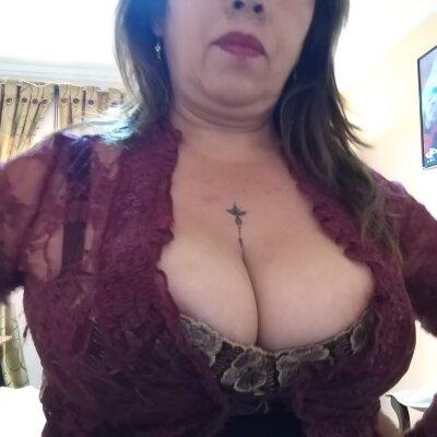 Milf_big_boobs