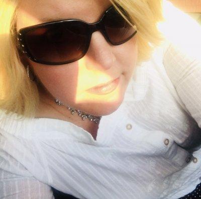 Blondiesquirts Cam