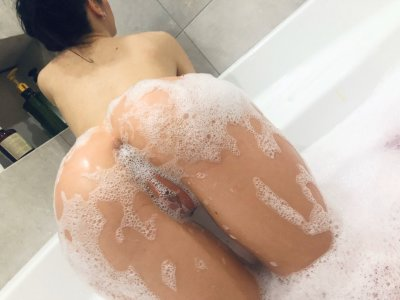 Magic_Eyes live on StripChat