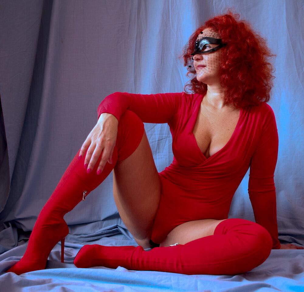 Karina-Rouge at StripChat