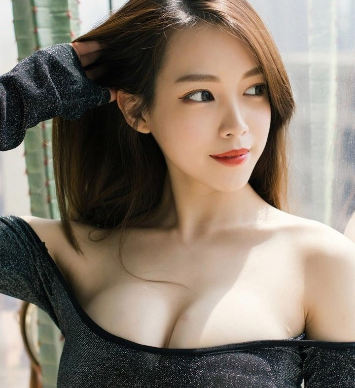 surexiaoyan at StripChat