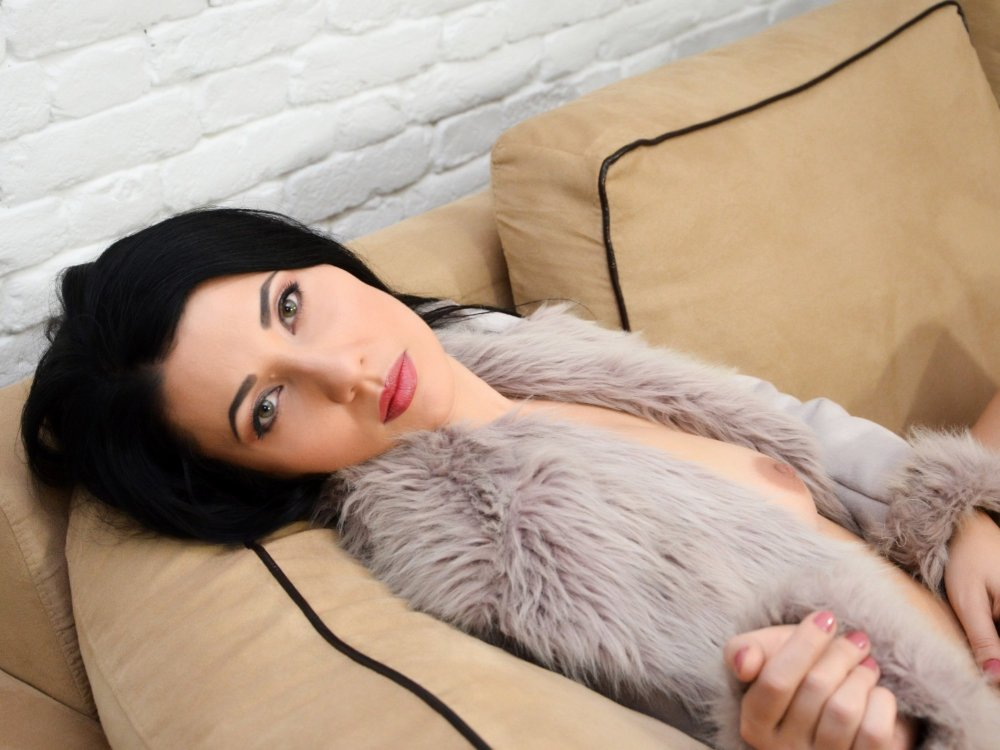 Russian_Beauty at StripChat