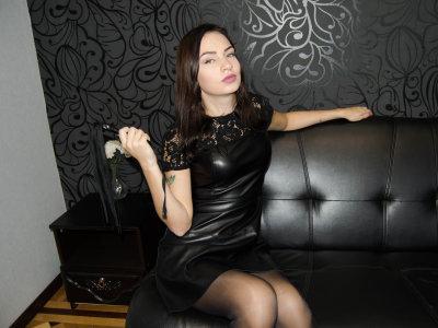 Victoria_Dark Room