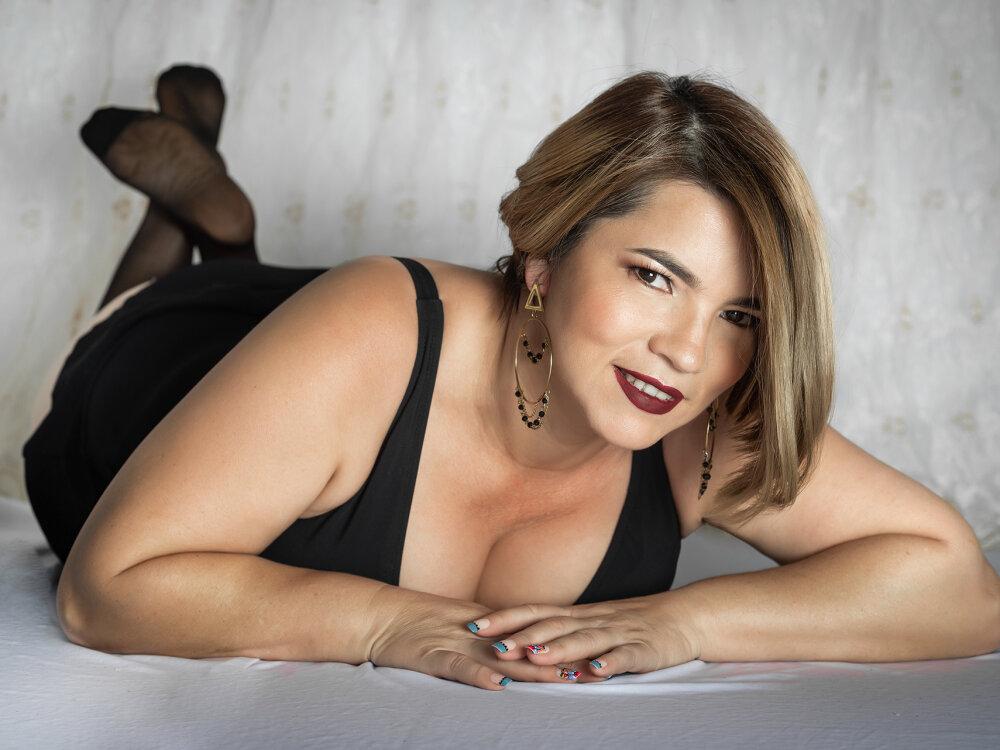 Scarlett_brac at StripChat