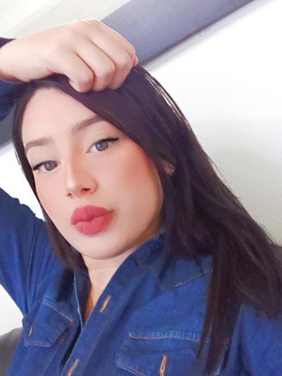 Emma_Camila