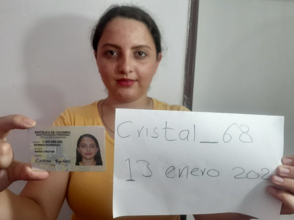 Watch cristal_68 live on cam at StripChat