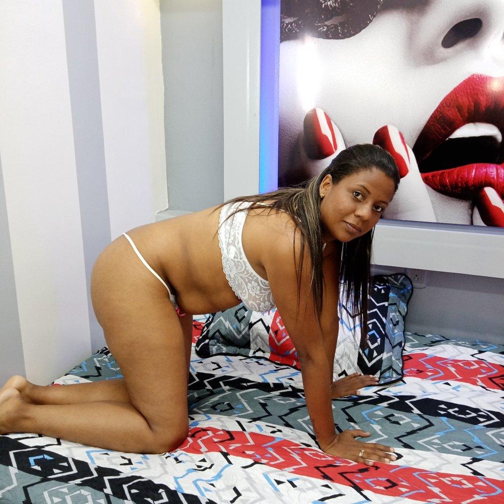 LuciaPaez at StripChat
