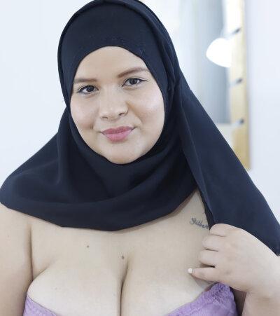 Bigtits_arabic