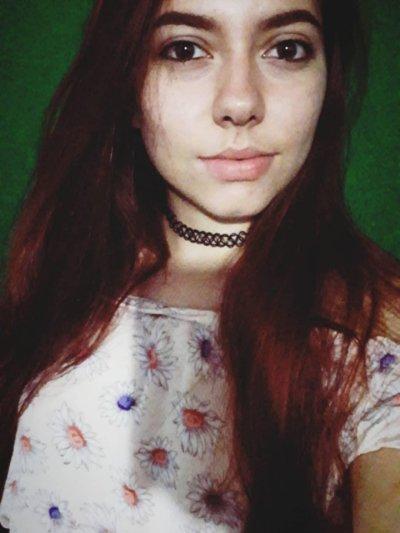 Red-petite