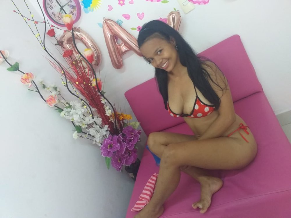 Watch angela_sexy10 live on cam at StripChat