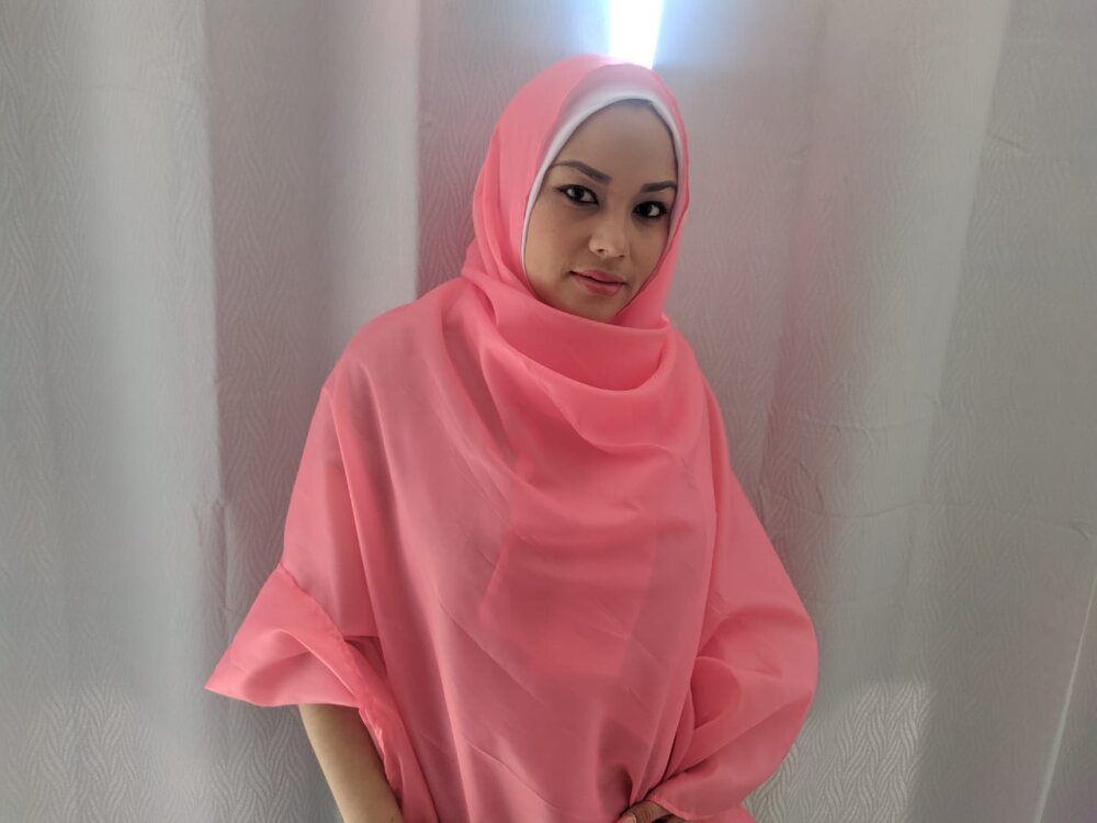 Amira-Awada at StripChat
