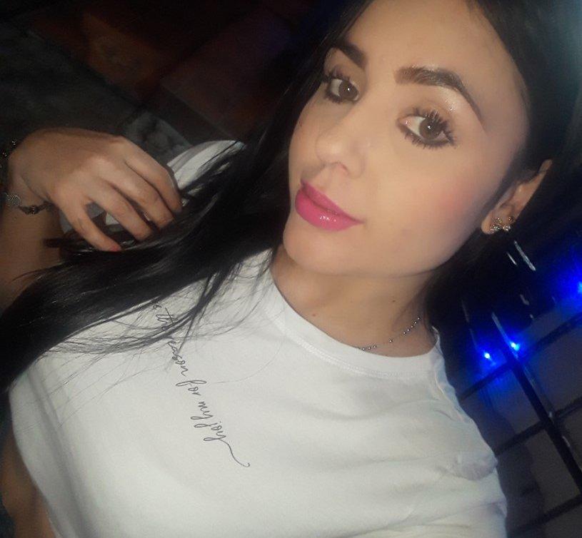 Sara_Luv23 at StripChat