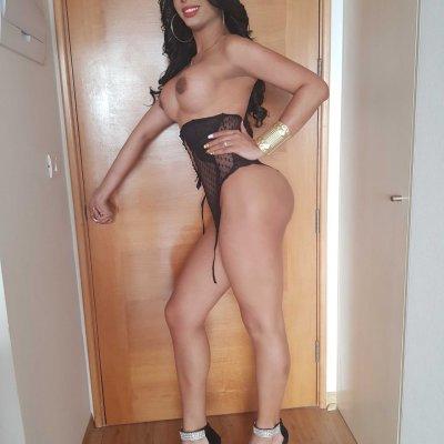 Latina_flower_ts