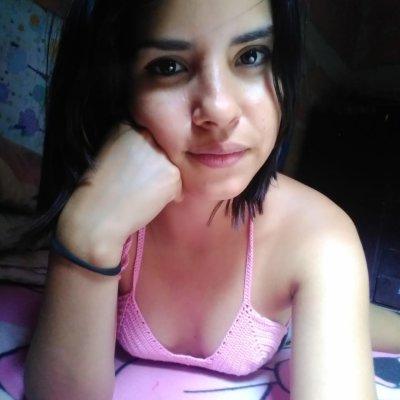 Latina_scarlet