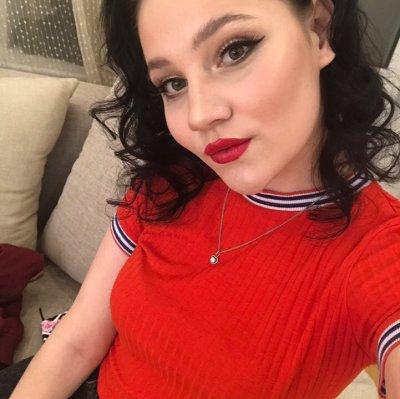 Nikki_Cook