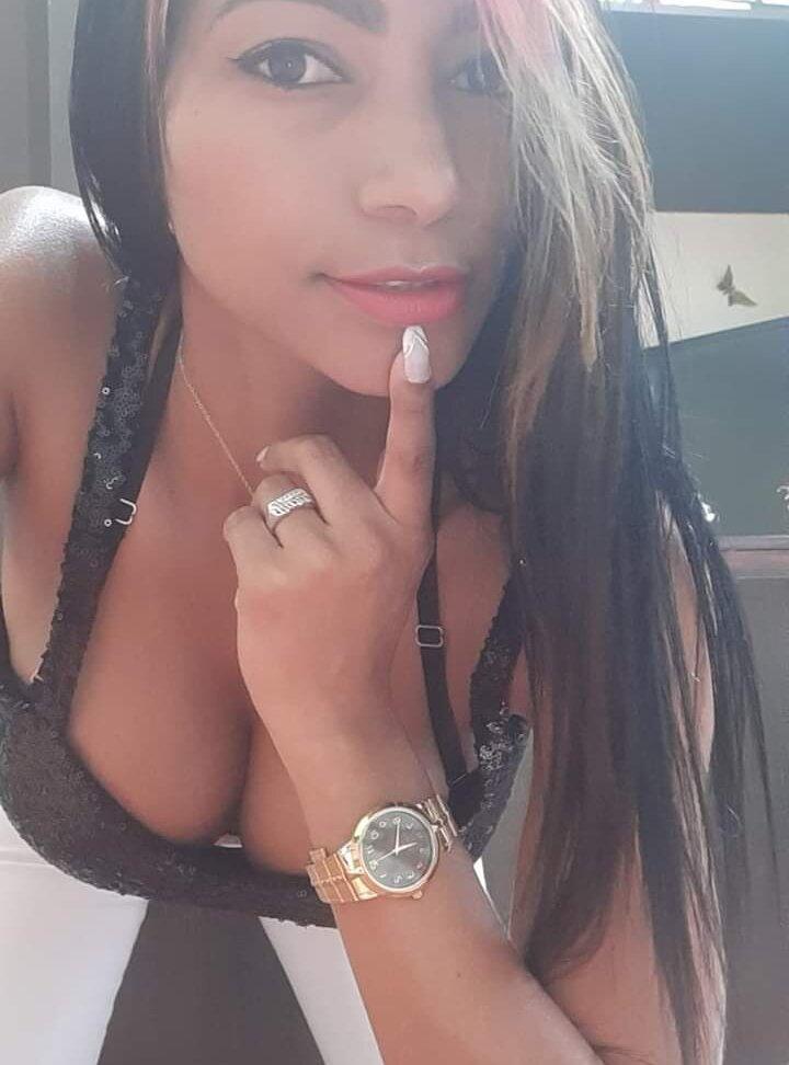 Ximena_lopez09 at StripChat