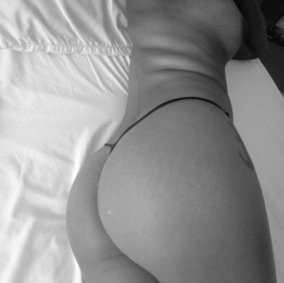 Kylie_ebony