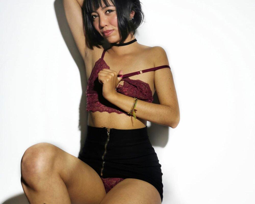 MilhaRay at StripChat