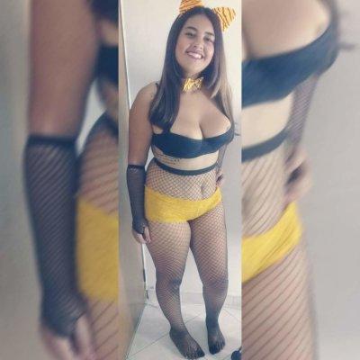 Mia_Hot1