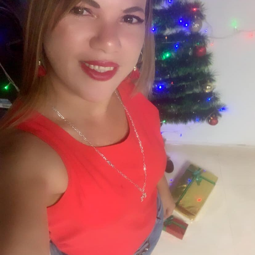 Watch orianaHotty live on cam at StripChat