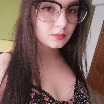Emily_hotx_
