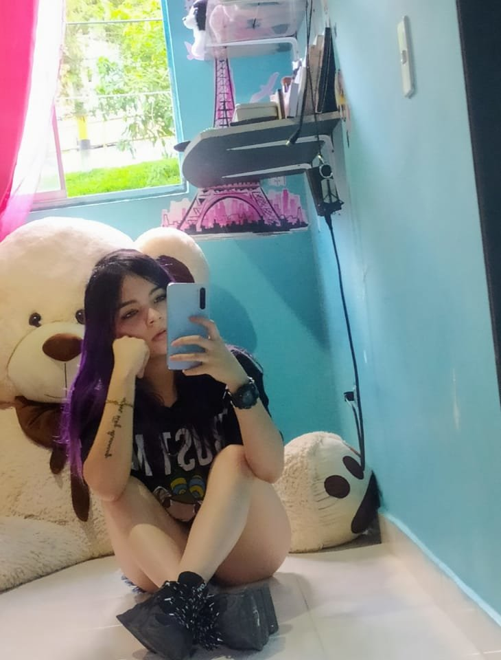 Tiniti_butterfly_ at StripChat
