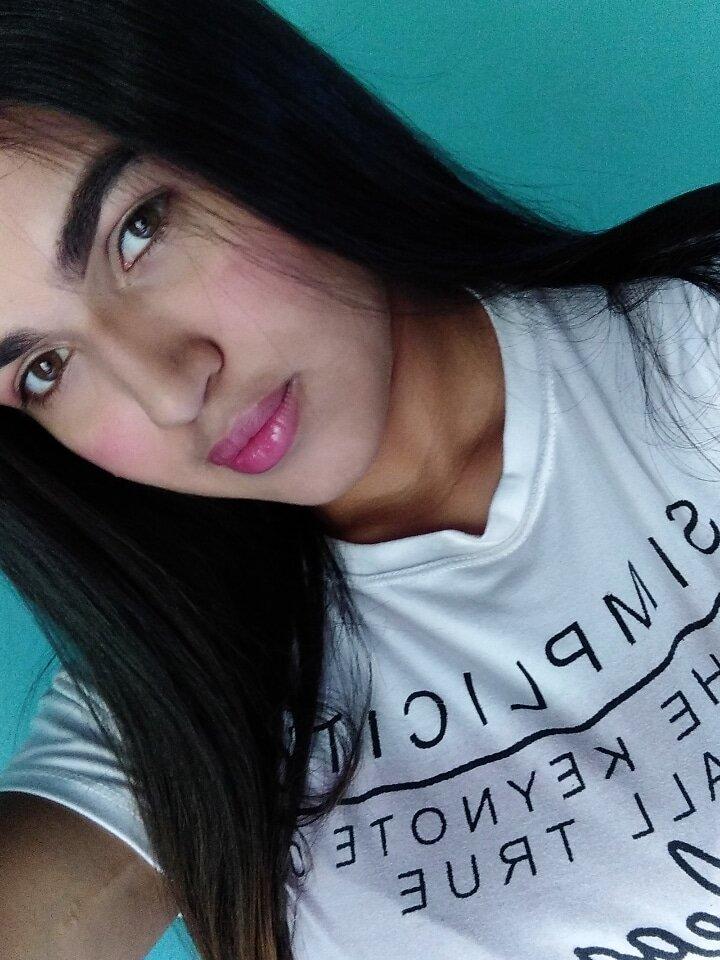 Vanessa_hot25 at StripChat