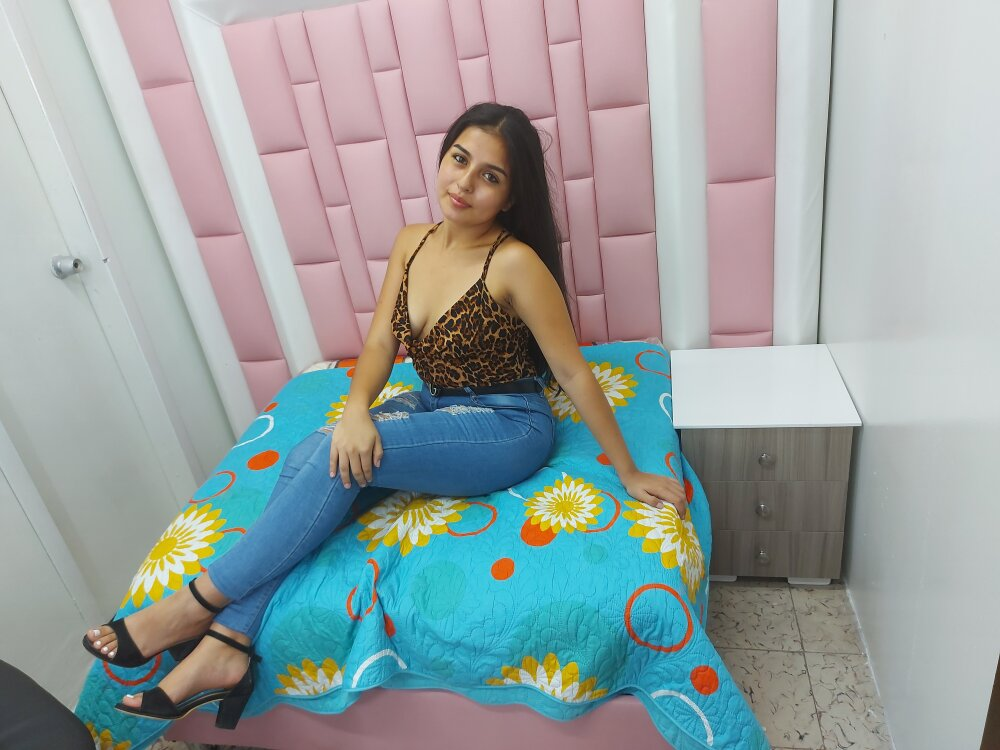 Watch sexidance26 live on cam at StripChat