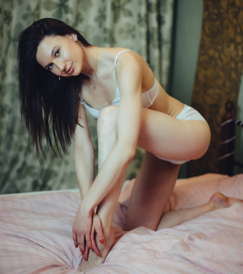 Watch Alisa_couture live on cam at StripChat