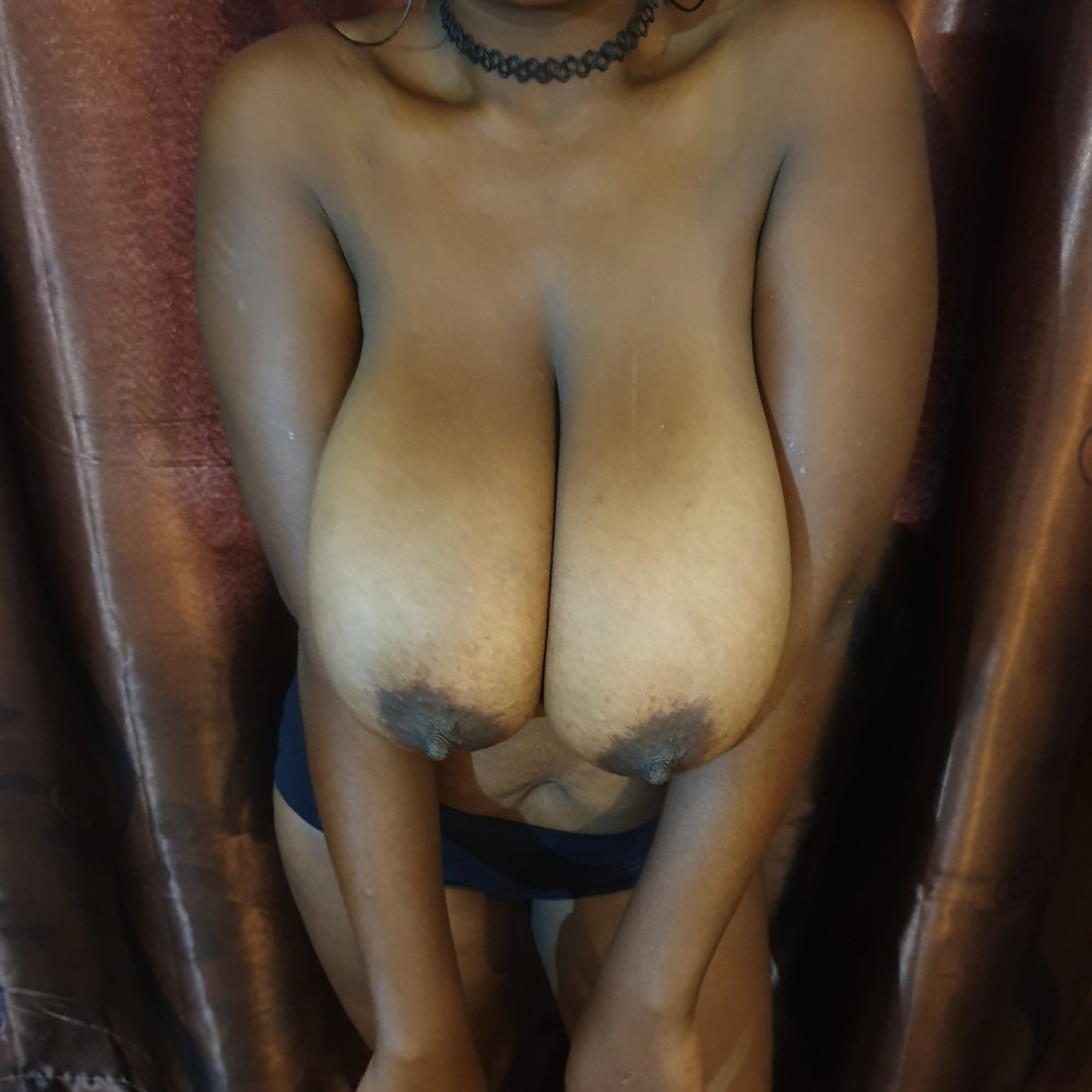 SEXYBOOBSGALORE at StripChat