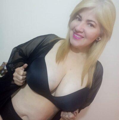 Sarah_bella_