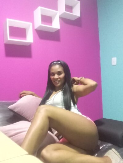 latina_more1