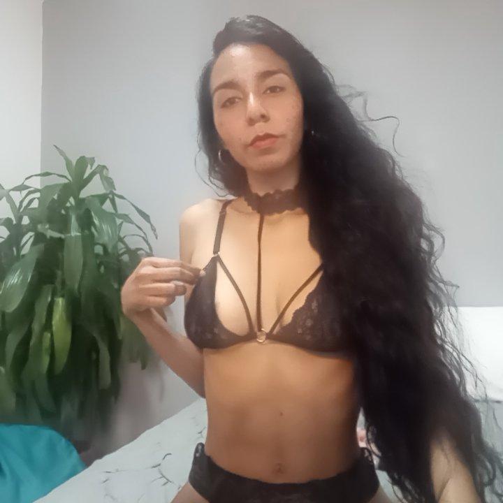 hanna-21 at StripChat