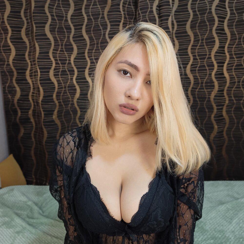 olivia_li_ at StripChat