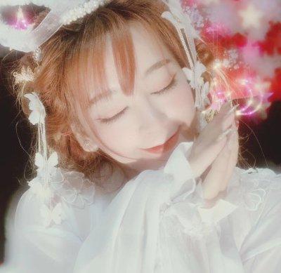 Charming_NaNa21