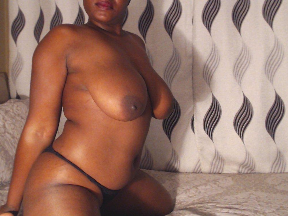 BLACKUNNA at StripChat