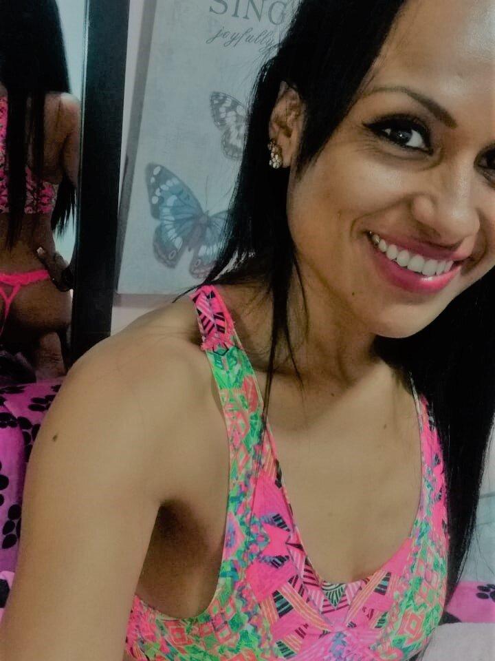 Canela_Sweett at StripChat