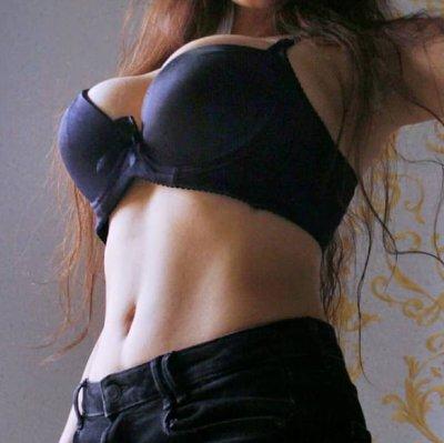 Asleen_Hot