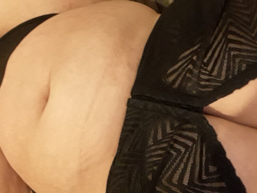 Watch Oliviashapes1 live on cam at StripChat