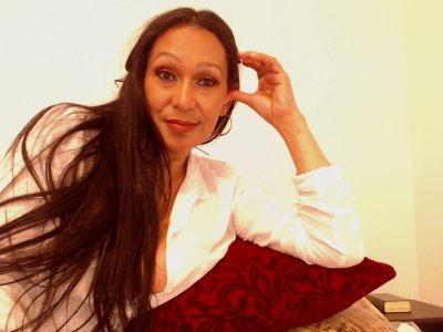 Gina_latina