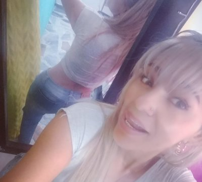 Nicole_sexy_milf Room