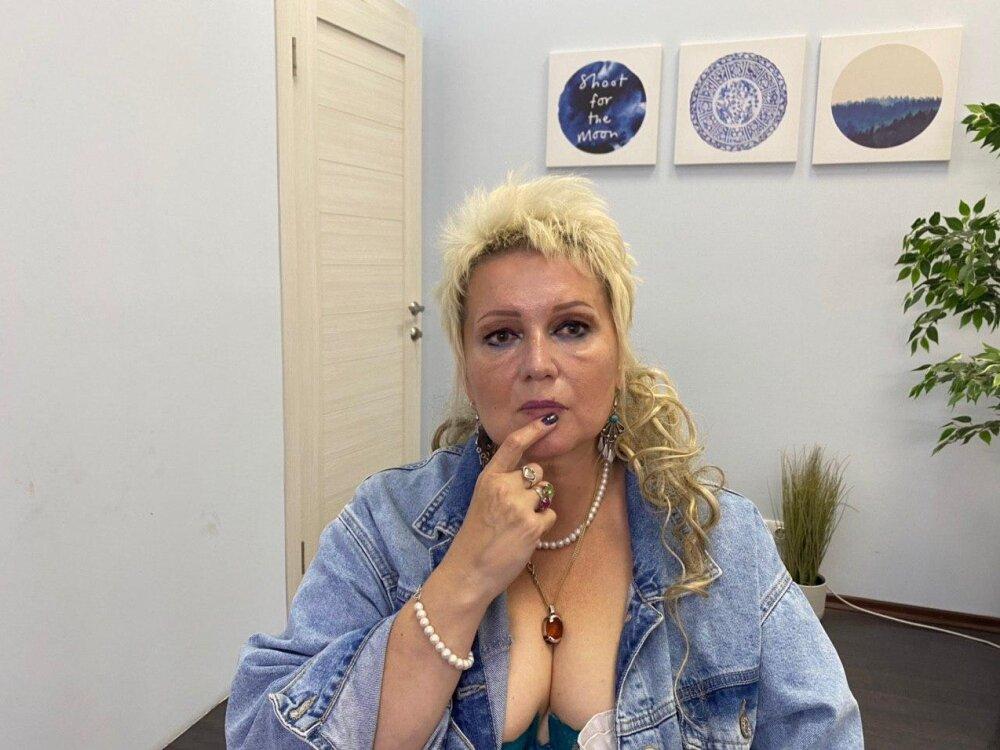 Belladonnaw at StripChat