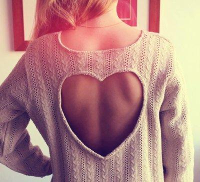 Leona_kiss