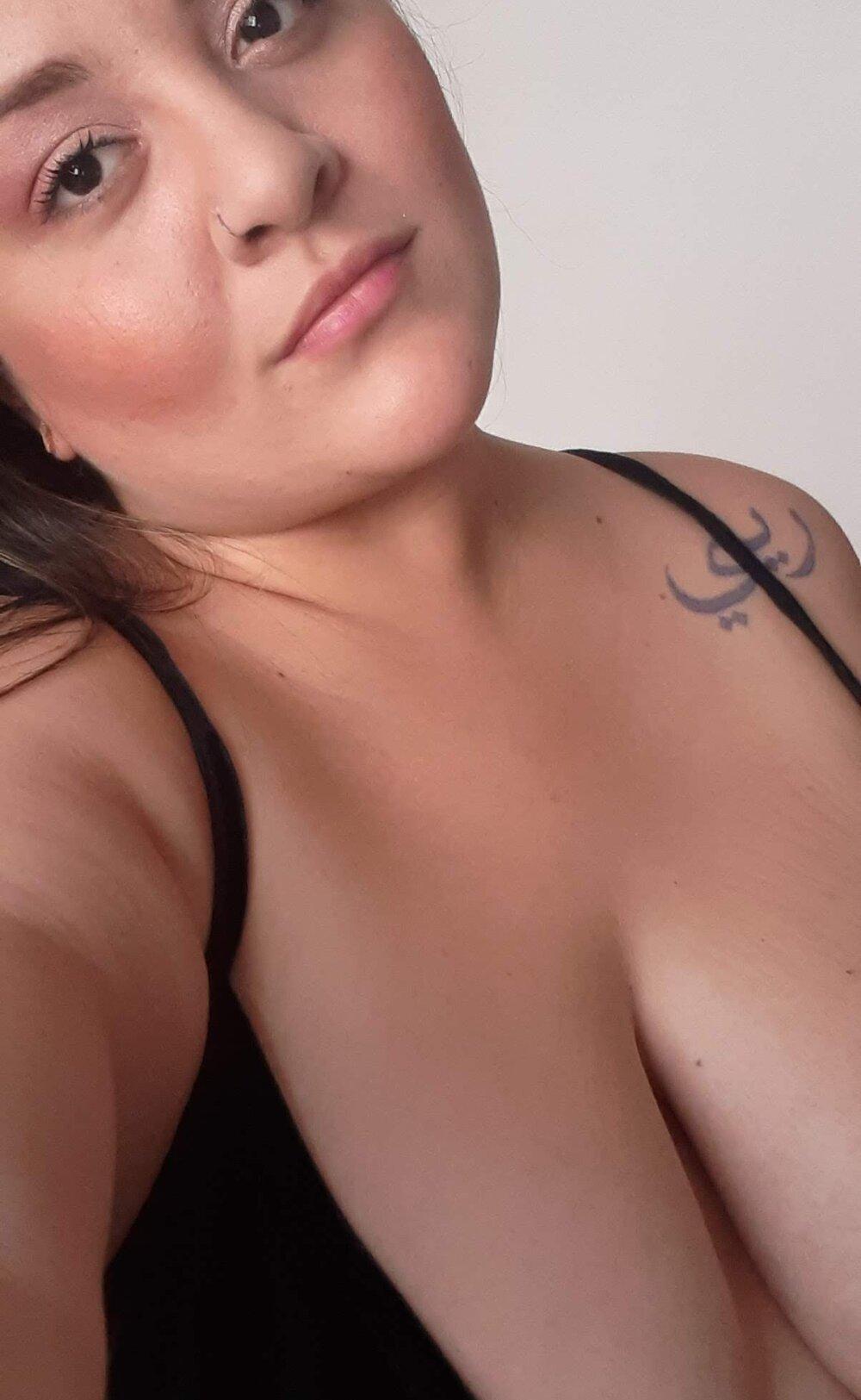 katy_persian at StripChat